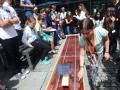 Team Chaos mit Ihrem Solarboot